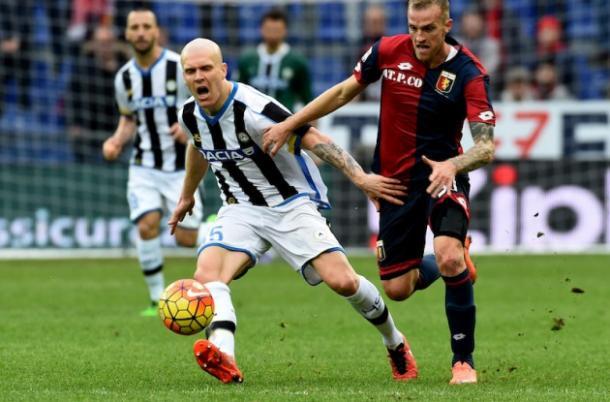 Hallfredsson in azione con l'Udinese, mondoudinese.it