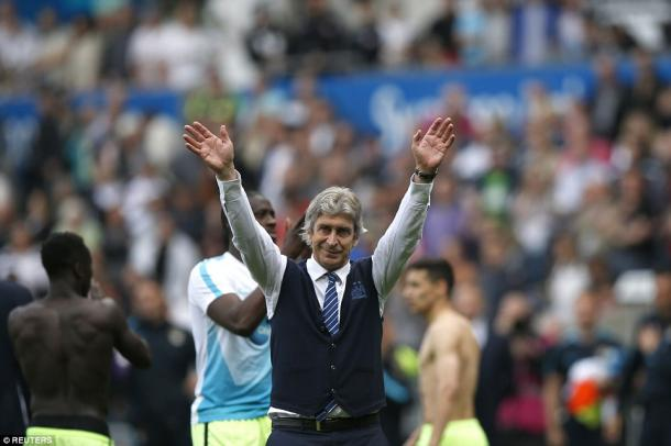 Pellegrini waved goodbye to the City fans (photo: Reuters)