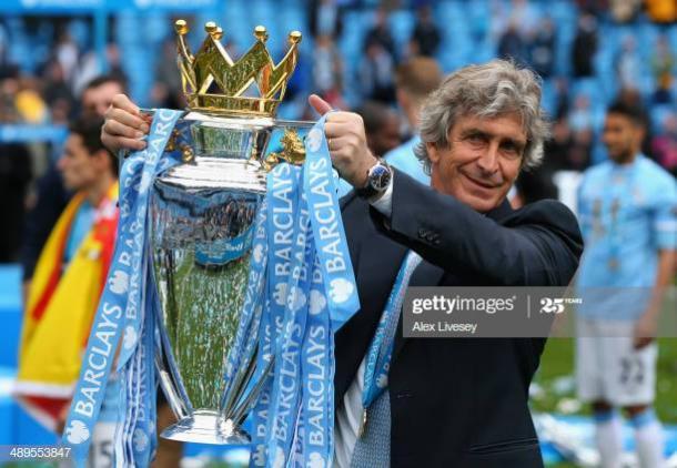 Pellegrino con el trofeo de la Premier League | Foto: Getty Images