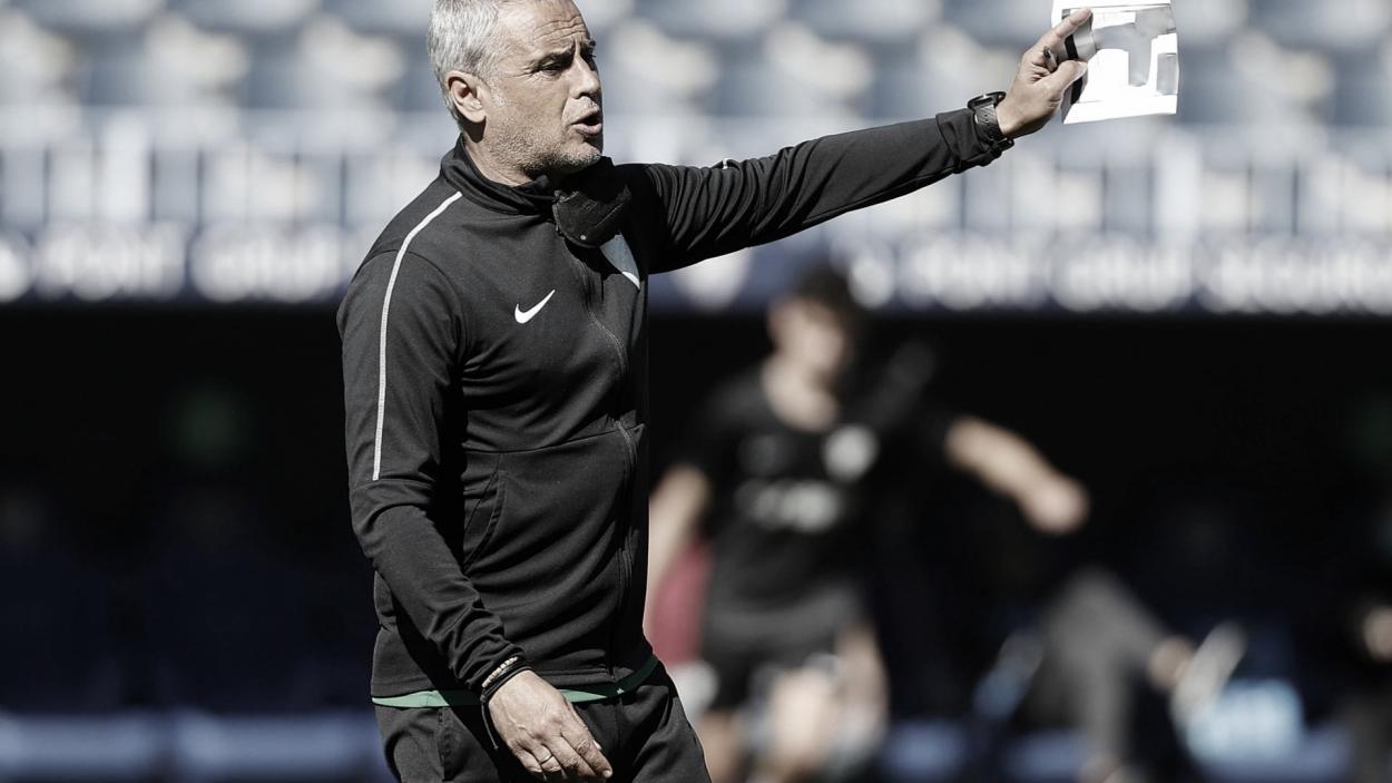 Sergio Pellicer dando instrucciones./ Foto: Málaga CF