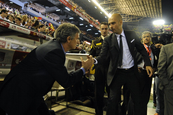Após serem rivais na Espanha, Pep e José se reencontrarão na Inglaterra (Foto: Jose Jordan/Getty Images)