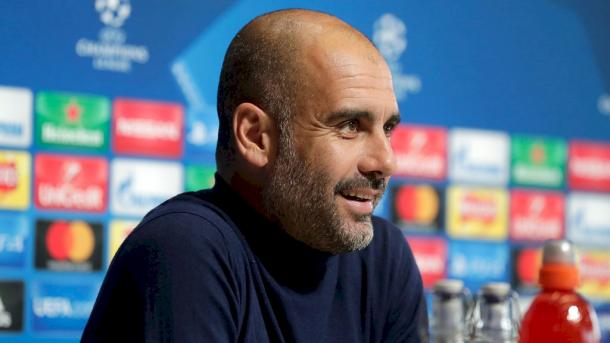Guardiola in conferenza stampa - Foto Manchester City Twitter