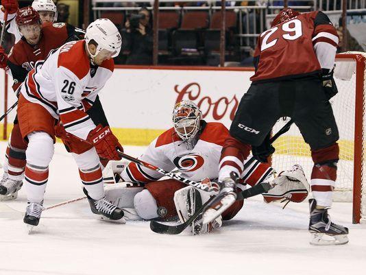Brendan Perlini has some good rebounding skills, and puts them to use. (Photo: usatoday.com)