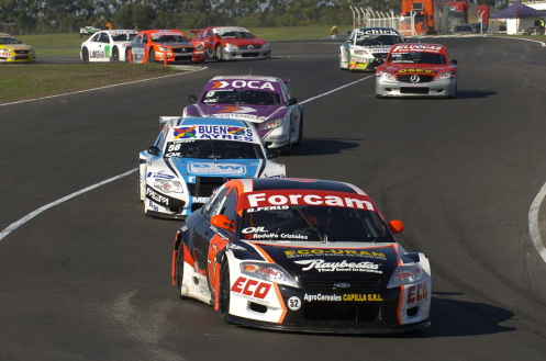 Perlo compitiendo en Top Race V6 año 2011. Foto: Top Race.