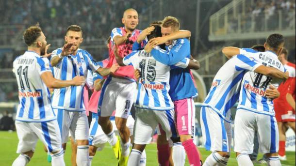 L'estasi dei calciatori biancazzurri dopo il gol di Bahebeck all'Inter. Fonte foto: lapresse.it