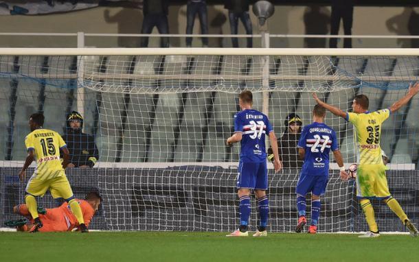 Esulta il Pescara dopo il pareggio di Hugo Campagnaro - Foto Sky Sport