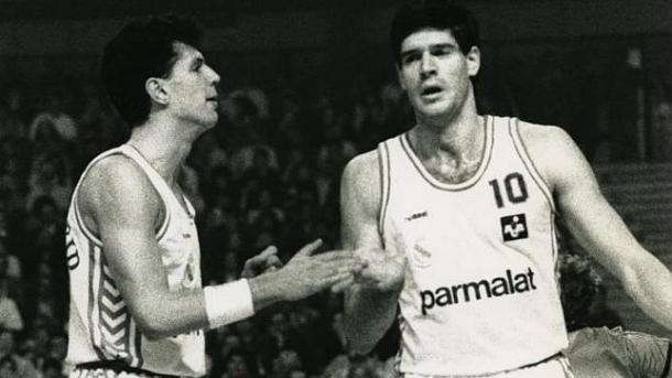 Petrovic y Fernando Martín, dos de los mayores talentos en la historia del baloncesto europeo | Fotografía: fuente desconocida por la antigüedad de la imagen
