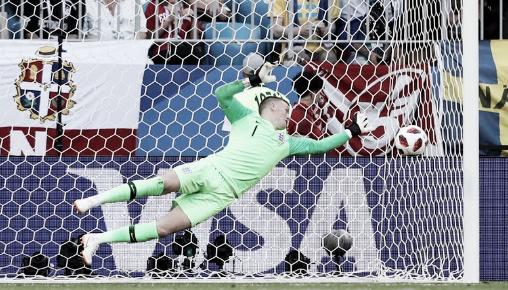 La primera tapada de Pickford   Foto: FIFA