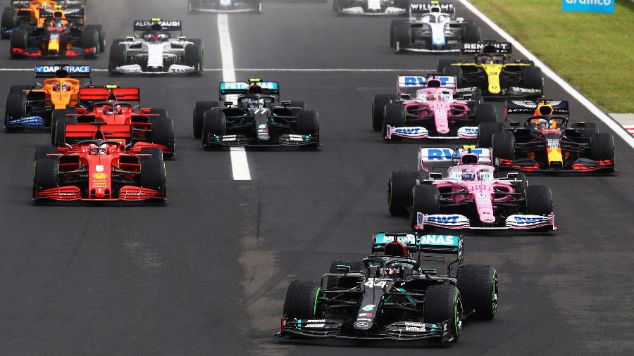 Bottas foi ultrapassado por quatro carros na largada do GP da Hungria. (Foto: Mark Thompson/Getty Images)