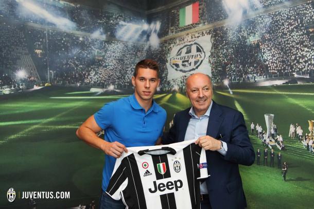 Marko Pjaca en su presentación con la Juventus   Juventus