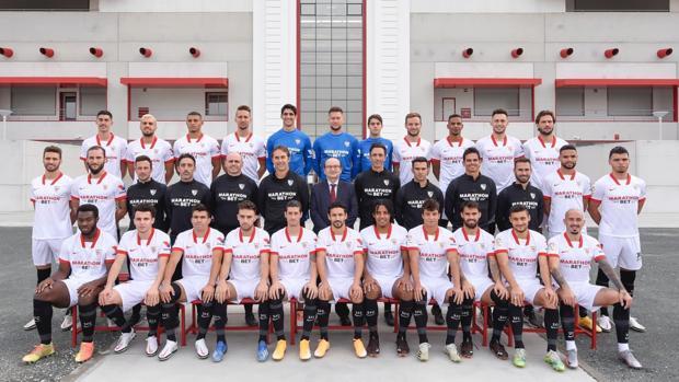 Foto de familia 2020-2021 | Fuente: Sevilla FC