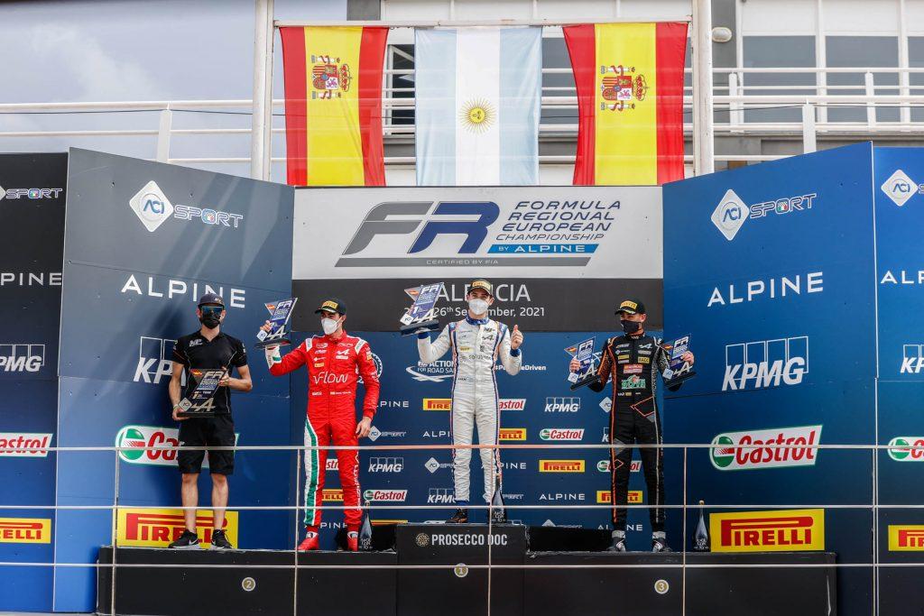 La bandera argentina en lo mas alto del podio: Foto Formula Regional by alpine