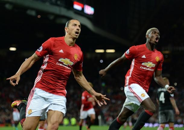 Ibra foi um dos destaques da vitória, com dois gols (Foto: AFP)