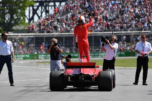 Sebastian Vettel festeggia la pole | twitter - @f1