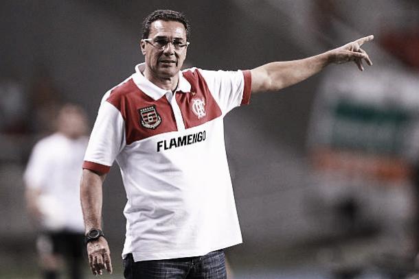 Luxemburgo em seu último jogo pelo Flamengo em 2012 (Foto: Buda Mendes/Getty Images)