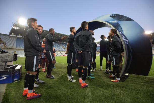 Alcuni giocatori del Porto prima della rifinitura di ieri sera - Foto Twitter Porto