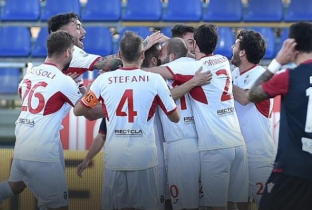 Los jugadores del Pordenone celebran uno de sus goles   Foto: Pordenone Calcio