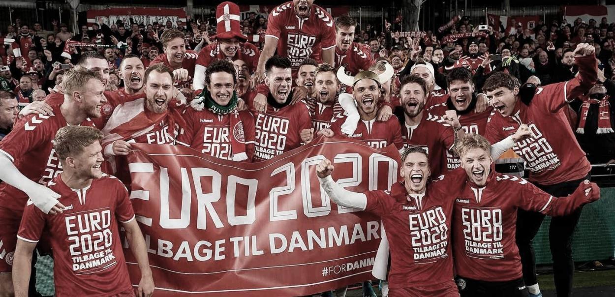 La selección danesa celebrando su pase a la Euro 2020. / Foto: DBU