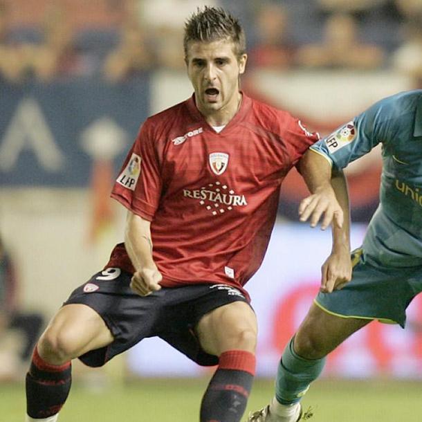 Portillo, con Osasuna, frente al Fútbol Club Barcelona