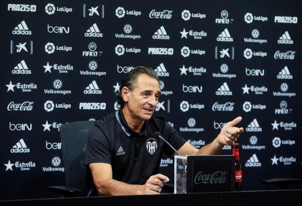 Cesare Prandelli en la rueda de prensa de ayer | Foto: Valencia CF.