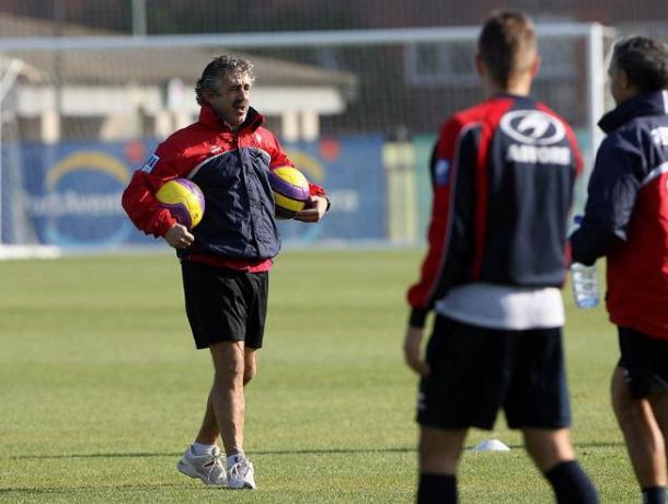 Manolo Preciado da indicaciones en un entrenamiento en la temporada 2006/07 | Imagen: Mundo Deportivo