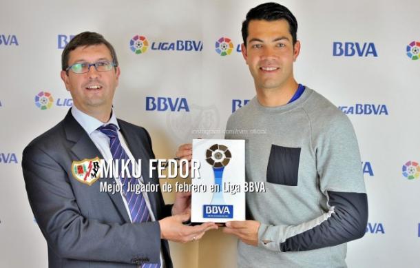 Miku proclamado mejor jugador de la liga en febrero de 2016. / Fotografía. Rayo Vallecano.