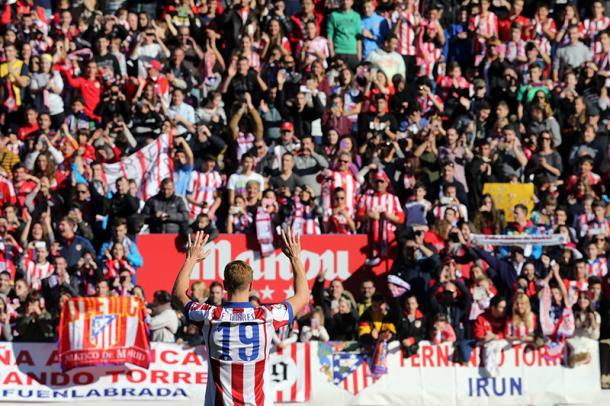 Torres se reencuentra con la afición del Atleti | Fuente: Atlético de Madrid