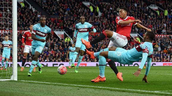 Martial scoring a late equaliser for Manchester United versus West Ham in the FA Cup | Photo: Getty Images
