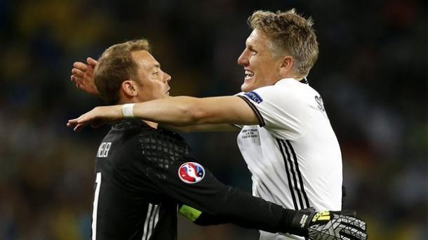 Schweinsteiger and Neuer played together for both Bayern Munich and Germany. | Photo: ProSieben