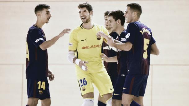 Los jugadores del Barcelona celebran uno de los goles | Foto: LNFS