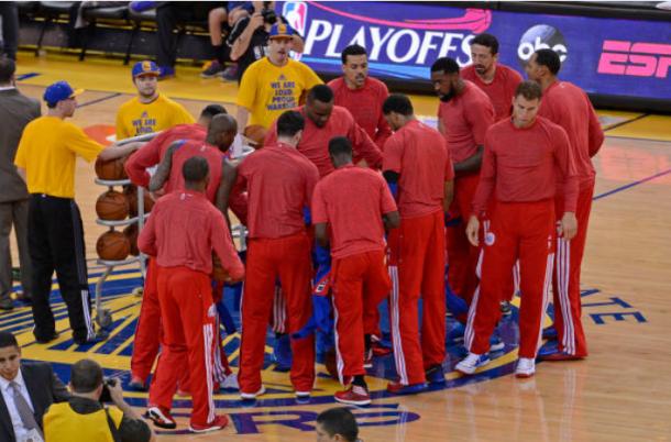 La plantilla de los Clippers durante su protesta frente al racismo | Foto: Getty Images