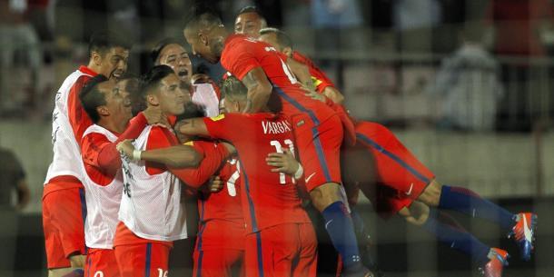 Celebrando uno de los goles. Fuente: publimetro.cl