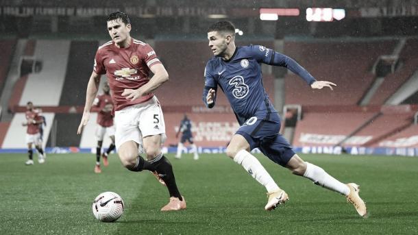 Duelo entre Pulisic y Maguire./ Foto: Premier League