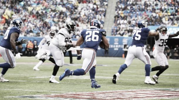 Saquon Barkley no iba a tener un debut destacado hasta que se escapó 65 yardas para su primer TD | Foto: Giants.com