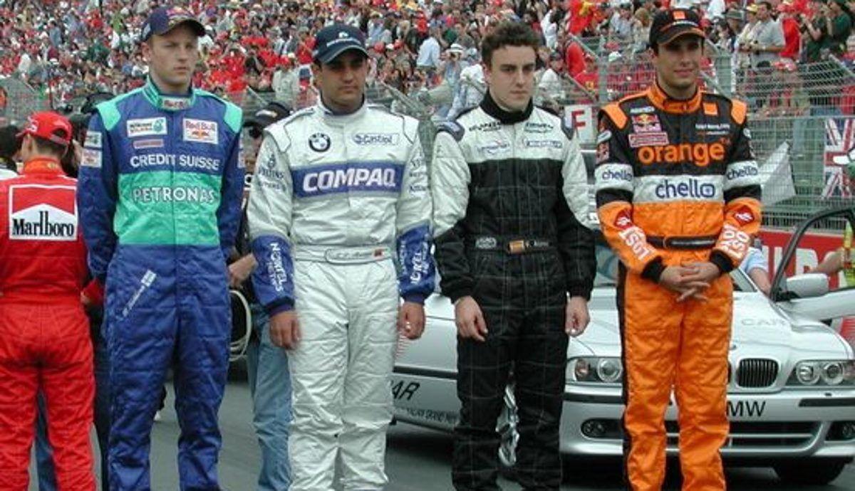 Montoya, junto a Räikkönen, Alonso y Enrique Bernoldi, como pilotos debutantes en 2001, en el Gran Premio de Australia. Imagen: Reuters.