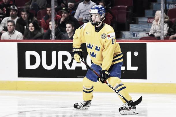 Rasmus Dahlin, con solo 17 años ya destaca en la SHL sueca. Foto: Minas Panagiotakis/Getty Images
