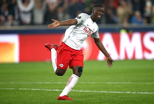 Haidara comemora o seu gol que abriu o placar na partida (Adam Pretty/Bongarts/Getty Images)
