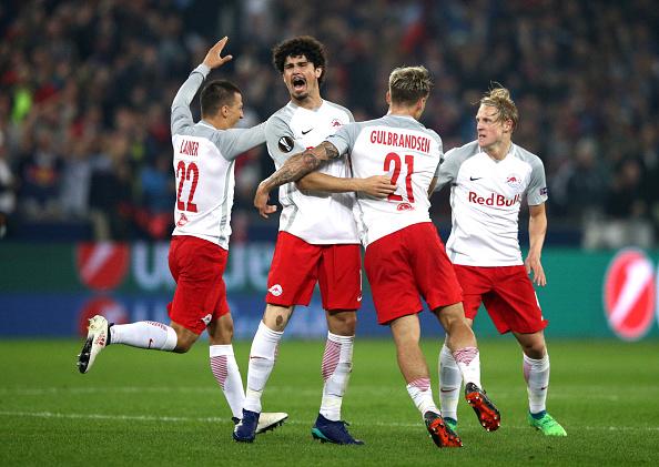 Comemoração do Salzburg no gol contra marcado por Sarr (Adam Pretty/Bongarts/Getty Images)