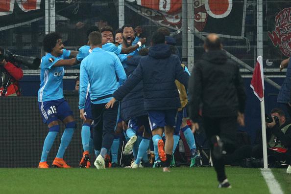 Comemoração do gol de Rolando que garantiu a ida do Marseille na final da UEL (Adam Pretty/Bongarts/Getty Images)