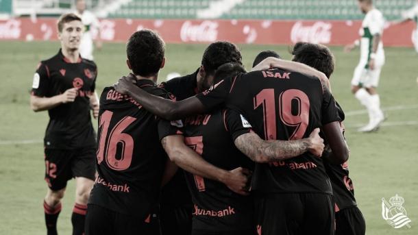 Los jugadores celebrando la victoria ante el Elche./ Foto: Real Sociedad