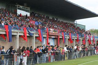 A pesar de sus pocos éxitos deportivos, el Real Ávila no se puede quejar de afición (fuente: lasegundab.es)