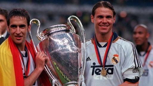 Raul y Redondo con la octava Copa de Europa. Fuente: getty
