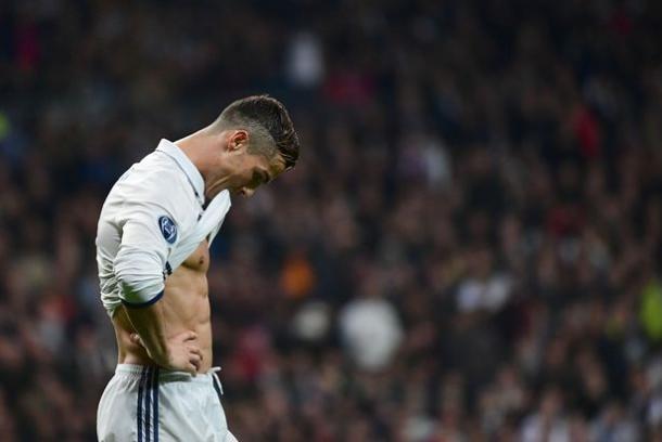 La delusione di Cristiano Ronaldo dopo il 2-2 contro il Borussia Dortmund - Foto Mirror.Co.UK