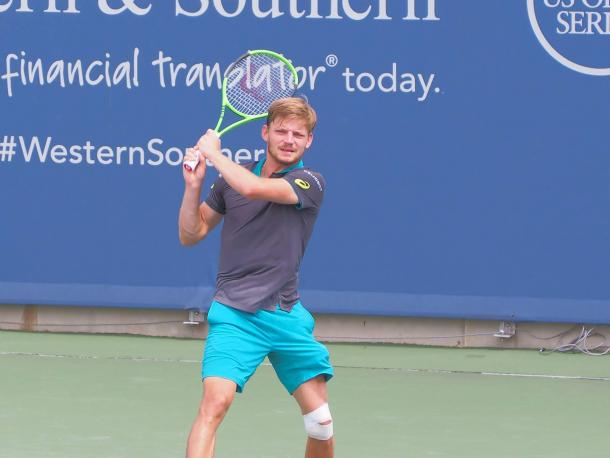 David Goffin struggling against Nick Kyrgios, with his leg strapped (Photo: Noel Alberto/VAVEL)