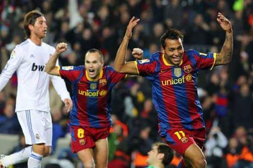 La euforia tras hacerle el quinto gol al eterno rival en el clásico de 2010 | Foto: Agencia EFE