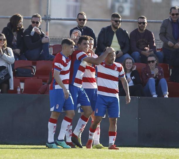 Celebración del gol de Ontiveros   Foto: Pepe Villoslada / Granada CF