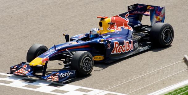 Sebatian Vettel llevando el RB6 en 2010 | Fuente: Wikipedia