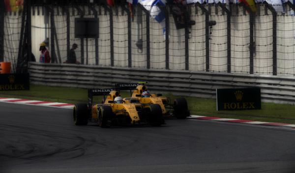 Ambos Renault rodando en China | Autobild.es