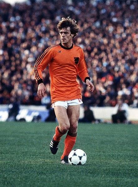 Johnny Rep en un partido antiguo / Foto: Países Bajos
