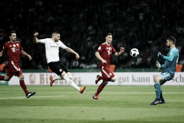 Ante Rebić firmó un doblete para darle la Copa al Eintracht | Foto: @DFB_Pokal
